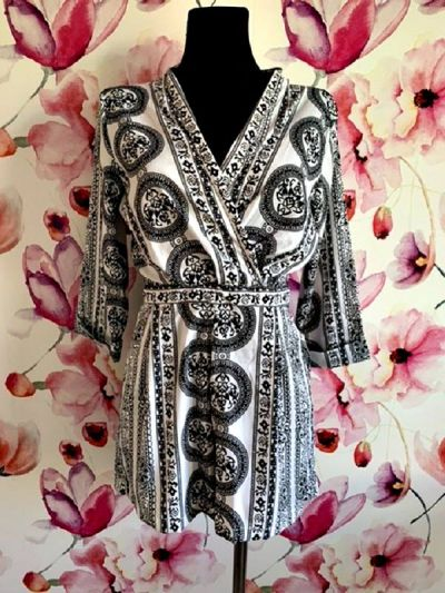 Kombinezony boohoo kombinezon damski modny wzór ornament jak nowy 40