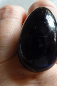 pierścionek srebrny granatowe oczko