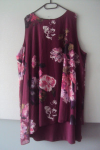 Elegancka sukienka z narzutką...