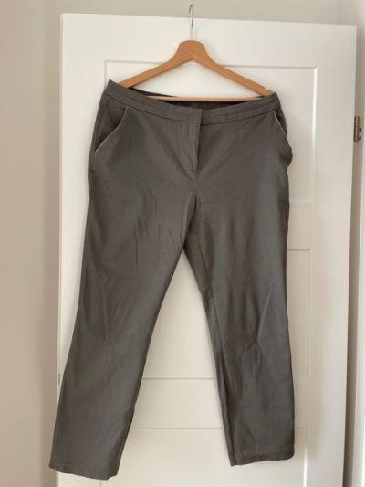 Spodnie Spodnie chinosy Atmosphere 14 42 popielate L