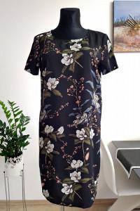 czarna sukienka w kwiaty...