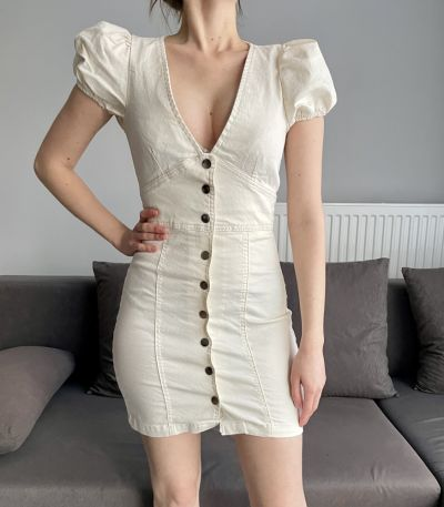 Suknie i sukienki NOWA sukienka jeansowa beżowa Bershka S guziki