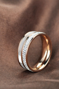 Nowy pierścionek złoty kolor stal szlachetna masa perłowa cyrkonie