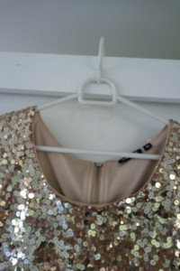 Cekinowa sukienka 38