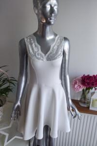 boohoo Biała Rozkloszowana Sukienka Koronka rozmiar M 38