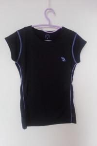 Czarna sportowa bluzka z krótkim rękawem 36...