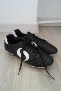 Sondico Czarne korki buty piłkarskie 40