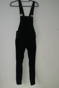 Czarne jeansowe ogrodniczki rurki 34...