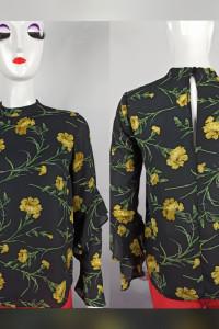 Czarna bluzeczka w piękne żółte kwiaty...