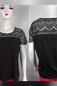 Czarna bluzeczka z koronkowym dekoltem i rękawami o naturalnym ...