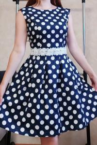 Urocza sukienka w groszki rozmiar 38...