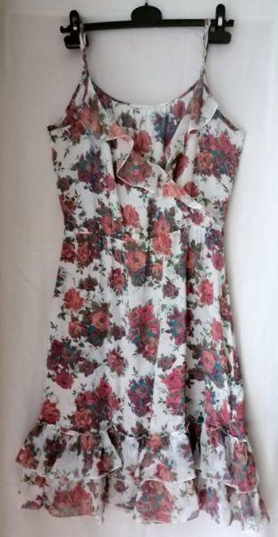 Suknie i sukienki Jedwabna sukienka ZARA M