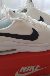 Nike Air Max Oketo...