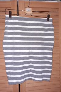 Ołówkowa spódnica w paski Reserved...
