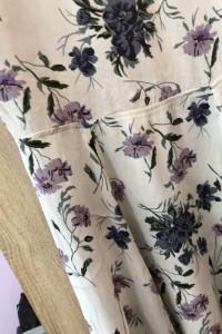 Śliczna sukienka letnia w kwiaty bik bok xs...