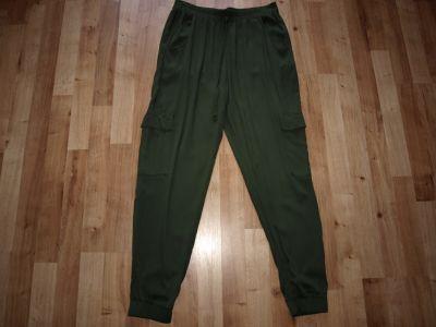 Spodnie Spodnie khaki rozm M
