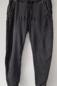 Cropp Czarne męskie spodnie chinosy joggery 44