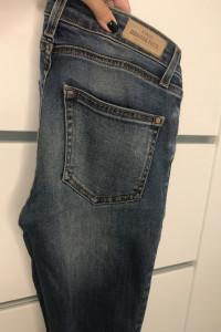 Spodnie jeans Mango xs...