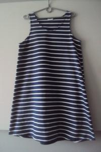 dzianinowa trapezowa sukienka...