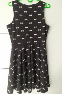 Sukienka wzorki...