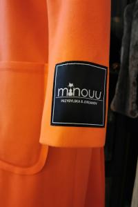 Płaszcz długi firmy Minouu roz Uniwersalny