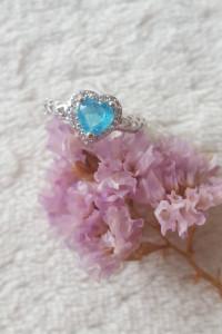 Nowy pierścionek srebrny kolor niebieska cyrkonia serce