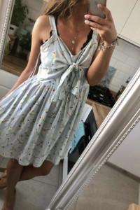 Sukienka na szelkach New Look...