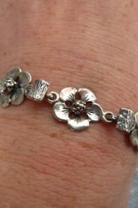 bransoletka srebrna kwiatki...