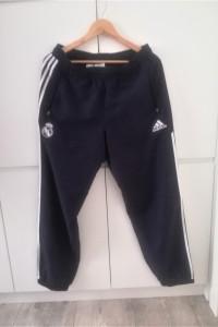 Granatowe spodnie dresowe Adidas...