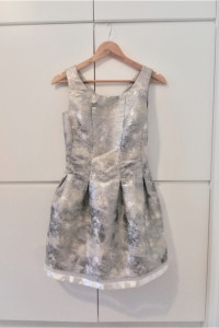 Piękna bezowo srebrna sukienka top studio js...