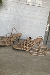 Reserved nowe szpilki sandały wiązane gladiatorki cieliste