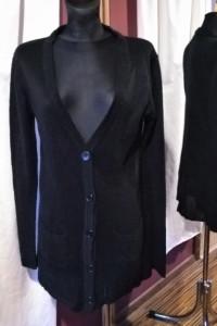 Cienki czarny sweter zapinany na guziki French Connection L...
