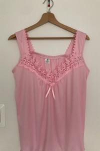 Różowa koszulka na ramiączkach...