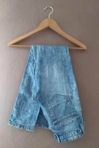 Marmurkowe jeansy 36 S...