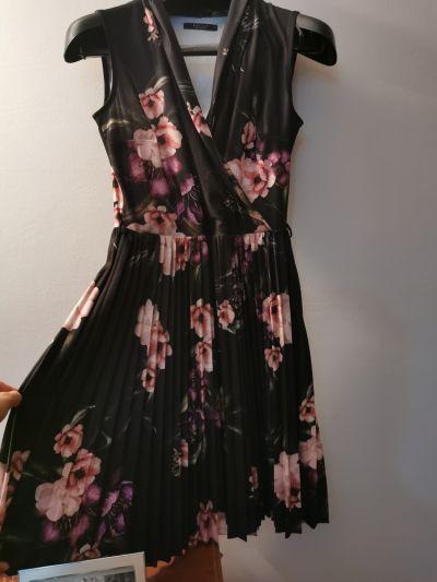 Suknie i sukienki Sukienka MOHITO