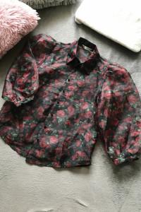 Bluzka mgiełka z bufiastymi rękawami czarna w róże stradivarius...