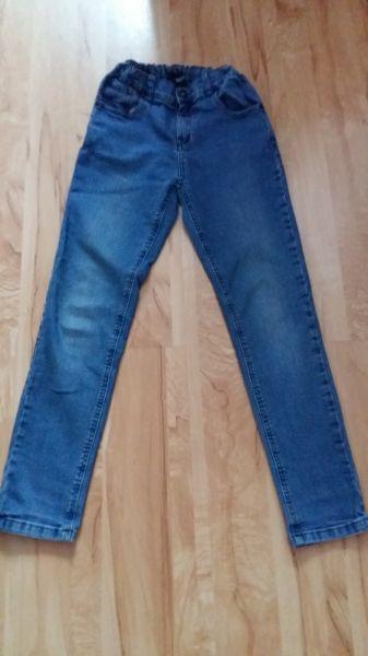 Spodnie i spodenki Spodnie 152