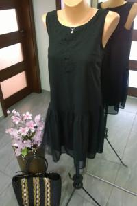 sukienka z falbanką...