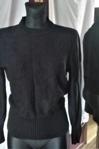 Czarny sweter wkładany przez głowę ściągacze basic basicowy...