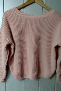 Różowy sweter Cropp z dekoltem V na plecach rozmiar S...