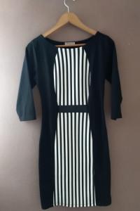 Mała czarna sukienka w pasy M...