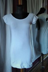 Biała koszulka tunika sukienka French Collection Butik duży dekolt na plecach wiązana
