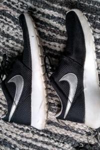 Czarne przewiewne damskie Nike JV...