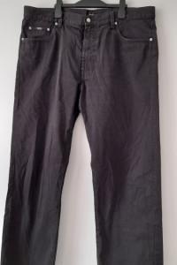 Hugo Boss Czarne męskie spodnie W40 L34...