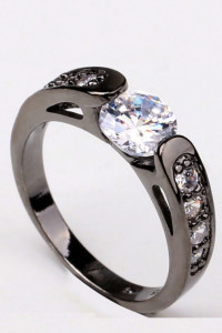 Nowy czarny pierścionek białe cyrkonie oczka retro goth dark pi...