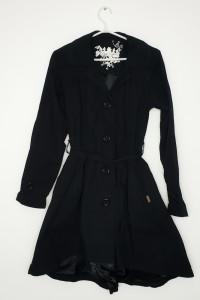 Asymetryczny płaszcz...