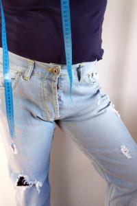 Tommy Hilfiger Jasne Jeansy Vintage z dziurami rozmiar 34 34 XL XXL