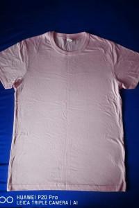 Różowy t shirt...