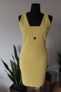 Żółta sukienka ołowkowa...
