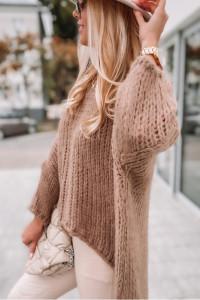 Gruby i bardzo miękki sweter w luźnym stylu...